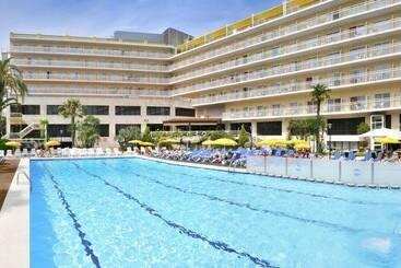 Swimming pool Hotel GHT Oasis Park & Spa  Lloret de Mar