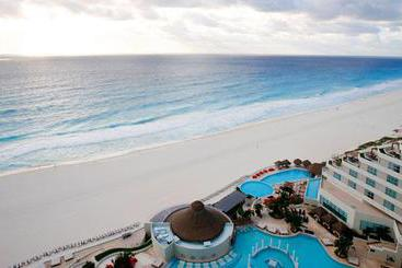 Resort ME Cancún  Cancun