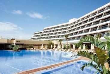 Ibiza Cidade (mais vendido): Ibiza Gran Hotel 5* desde 117€ por noite/pax (15 out - 16 out) [opção voos incl.]