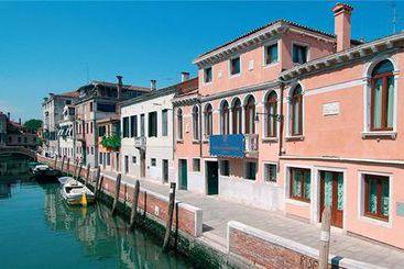 Veneza (mais vendido): San Sebastiano Garden 4* desde 38€ por noite/pax (27 nov - 28 nov) [opção voos incl.]