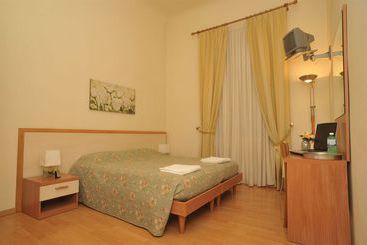 Florença (melhor preço): Villa Alle Rampe 0* desde 34€ por noite/pax (25 dez - 26 dez) [opção voos incl.]