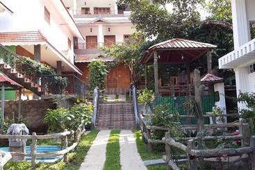 Hotel Taj Garden Retreat En Thekkady Destinia