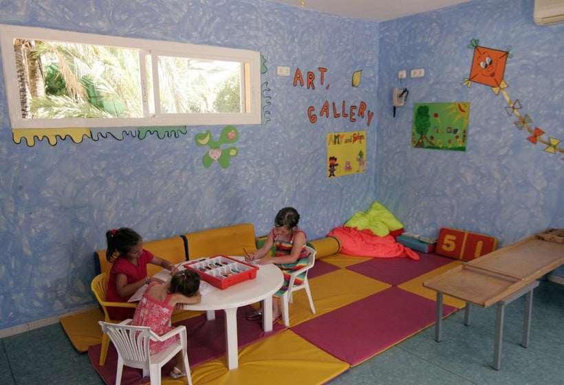 Children facilities AzuLine Hotel Atlantic Es Canar