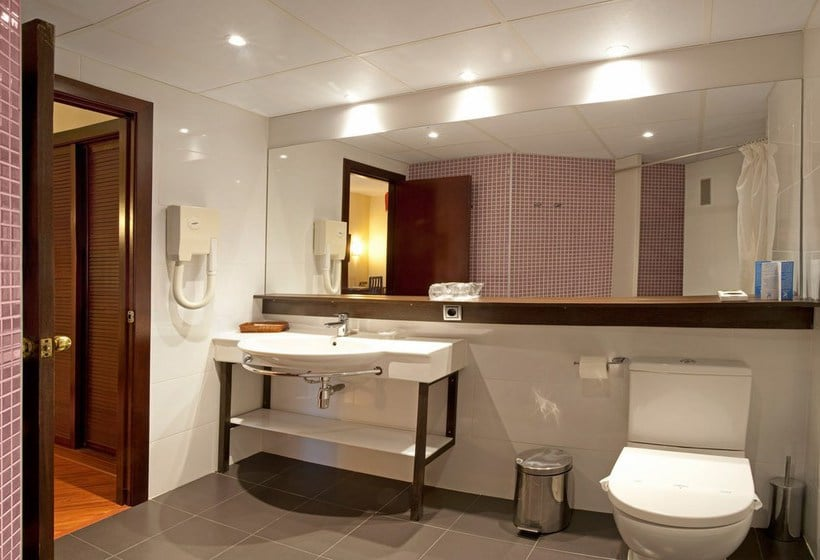 Bathroom Hotel Bernat II Calella
