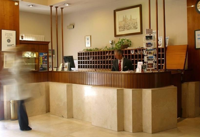 Front desk Hotel City House Los Tilos by Faranda Santiago de Compostela