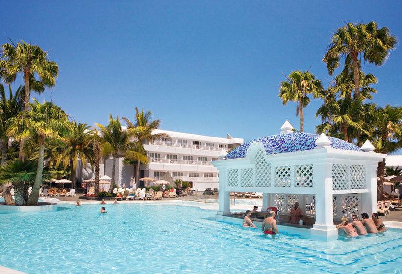Swimming pool ClubHotel Riu Paraiso Lanzarote Resort Puerto del Carmen