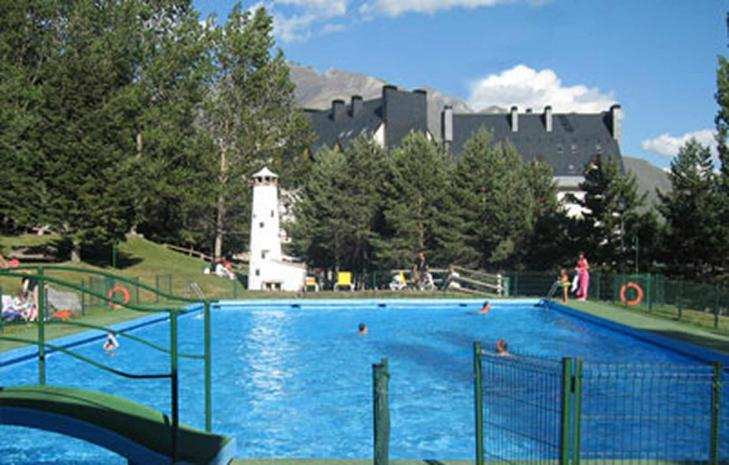 Swimming pool Hotel Abba Formigal