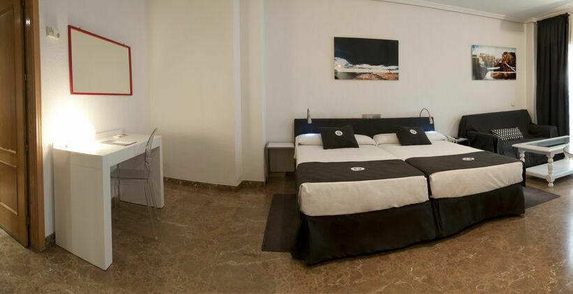 Aparthotel Quo Eraso Madrid