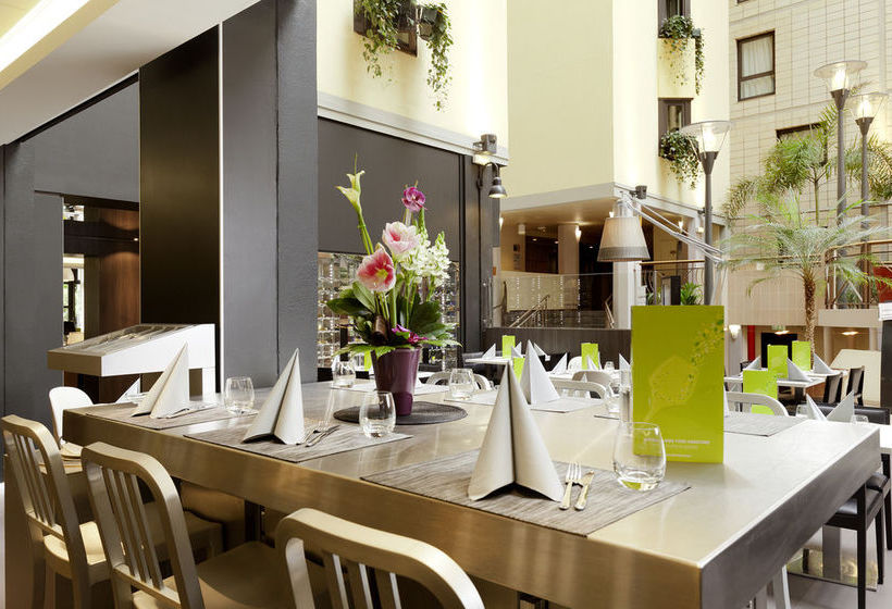 hotel mercure paris porte de versailles expo em vanves desde 44 destinia. Black Bedroom Furniture Sets. Home Design Ideas