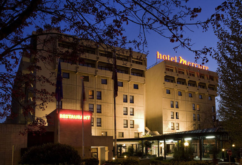 Hotel mercure paris porte de versailles expo en vanves for Porte de versailles hotel