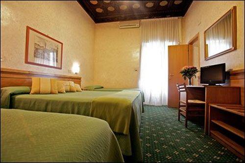 Hotel Embassy Rome