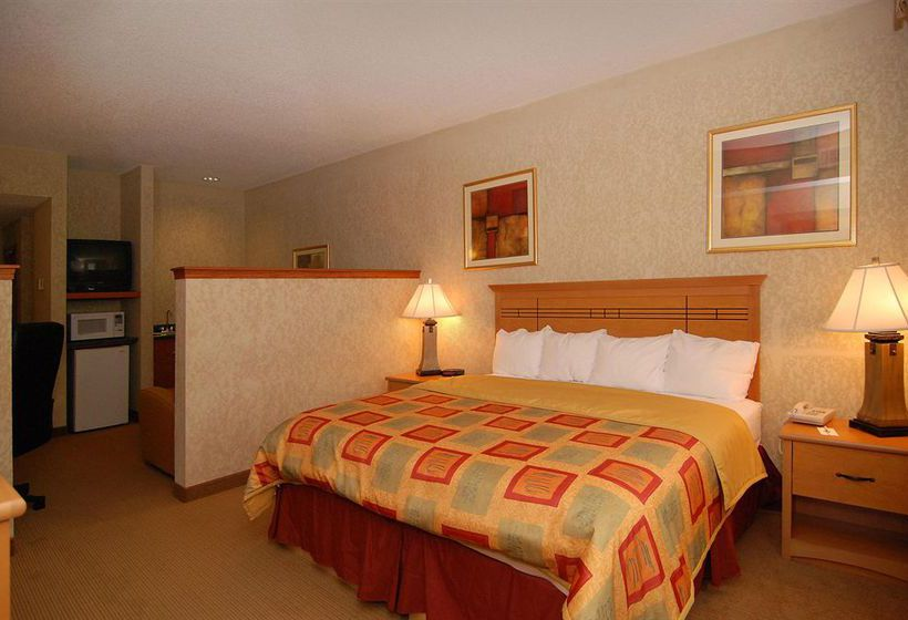 هتل Best Western Plus Locust Grove Inn & Suites