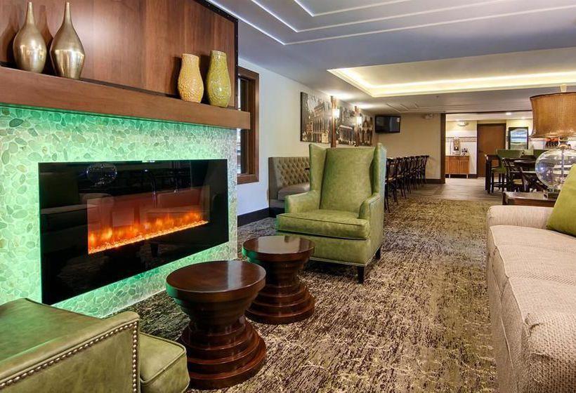 هتل Holiday Inn New Ulm