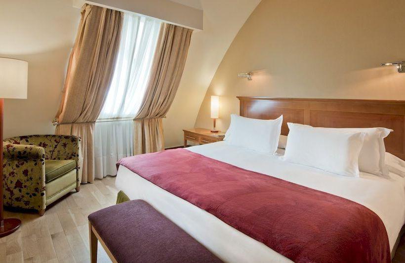 Room Hotel NH Palacio de Vigo