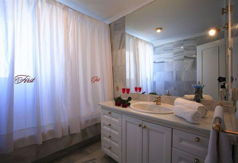 Bathroom First Flatotel International Benalmadena