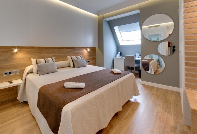Hotel Monte Carmelo Seville