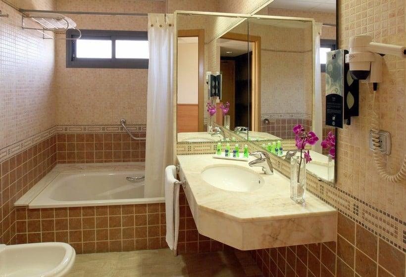 Bathroom Hotel Sb Express Tarragona