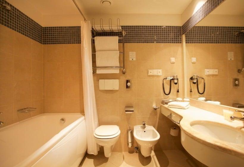 Bathroom PK Ilmarine Hotel  Tallinn