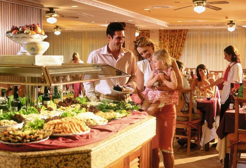 Restaurant ClubHotel Riu Oliva Beach Resort Corralejo