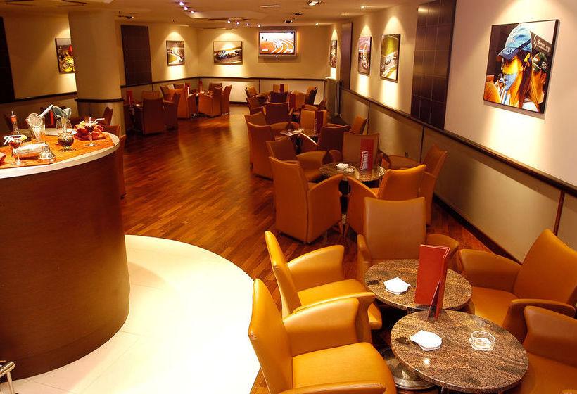 کافه هتل Tropical Les Escaldes-Engordany