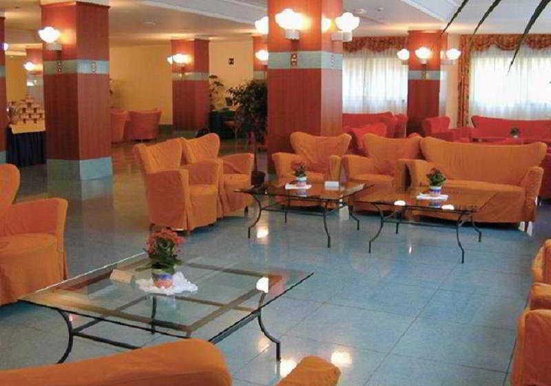 Hotel caesar palace en giardini naxos destinia - Hotel caesar palace giardini naxos ...