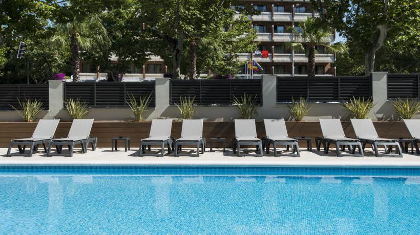 Swimming pool Apartamentos California Salou