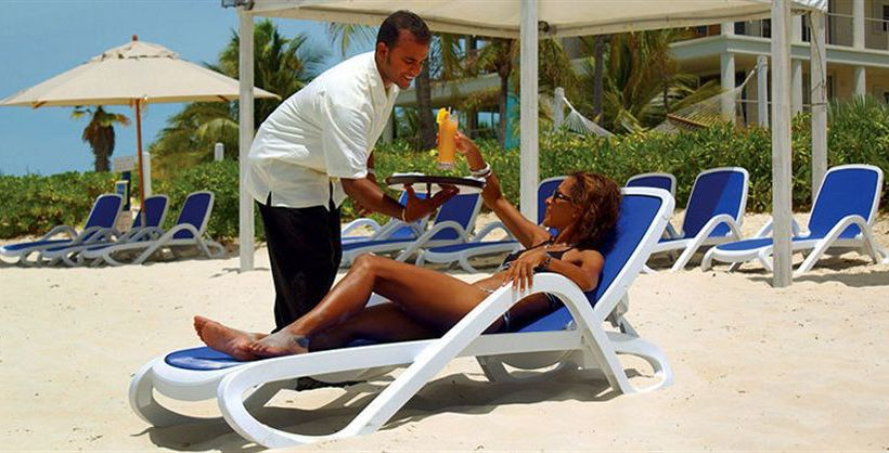Hotel Coral Gardens on Grace Bay Providenciales