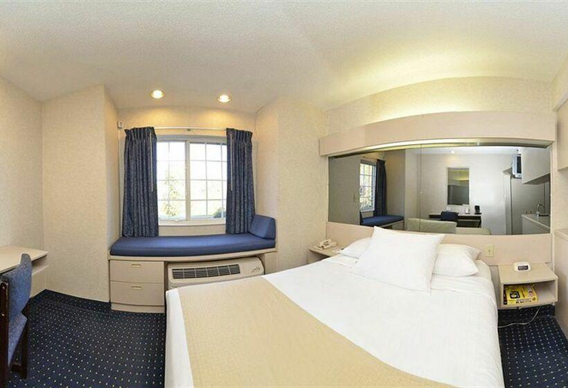 Microtel Inn & Suites Philadelphia - Airport