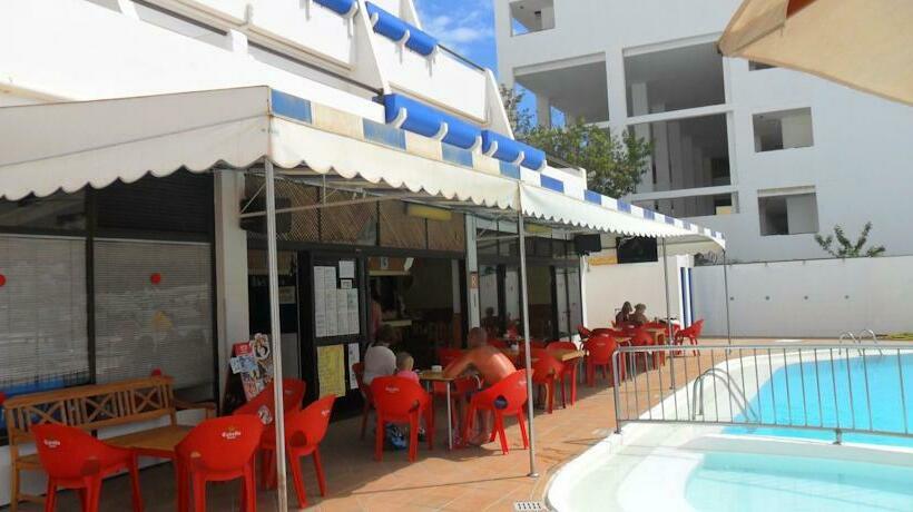 Cafeteria Apartamentos Carlota Puerto Rico