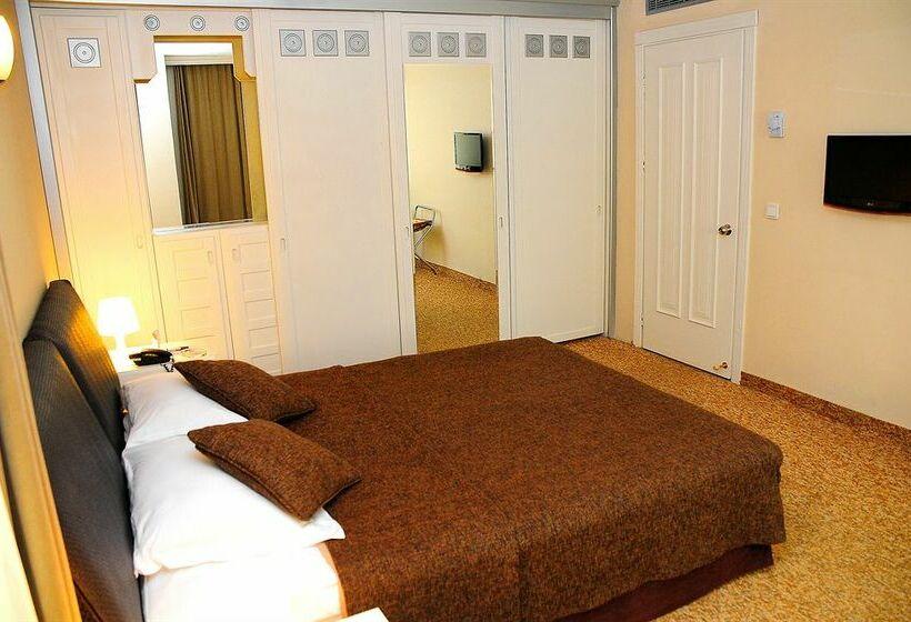 Room Hotel The Residence Gayrettepe Istanbul