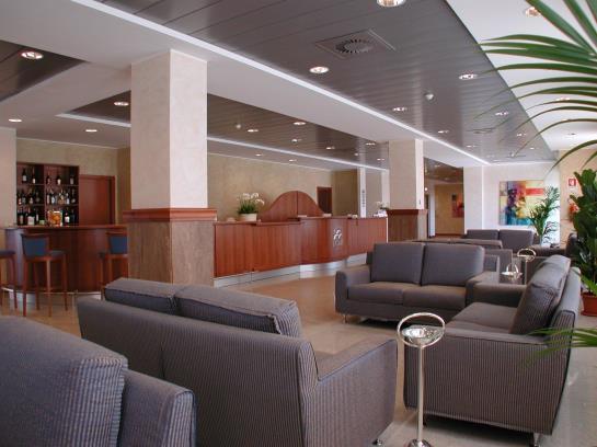 Hotel economici a macerata a partire da 48 destinia for Hotel economici roma centro