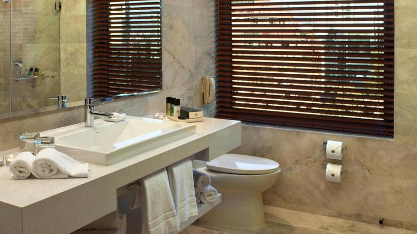 Bathroom Hotel Intercontinental Santiago Las Condes