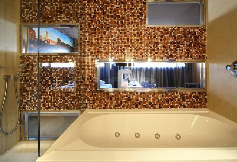 Bathroom Hotel Barceló Málaga Malaga