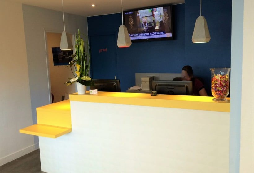 Front desk Hotel Ibis Styles Rouen Centre Cathedrale