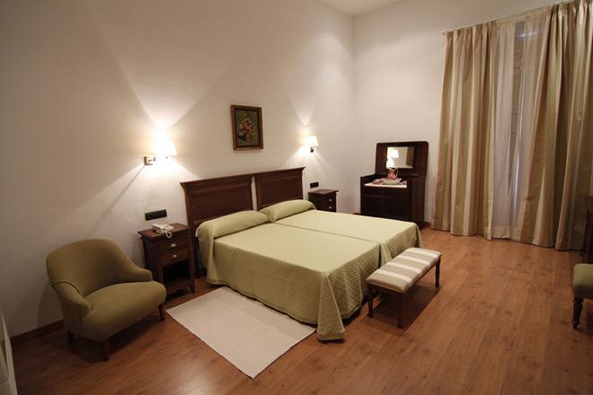 Habitación Hotel Albarragena Cáceres