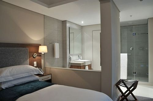 Harbour Bridge Hotel & Suites Cape Town