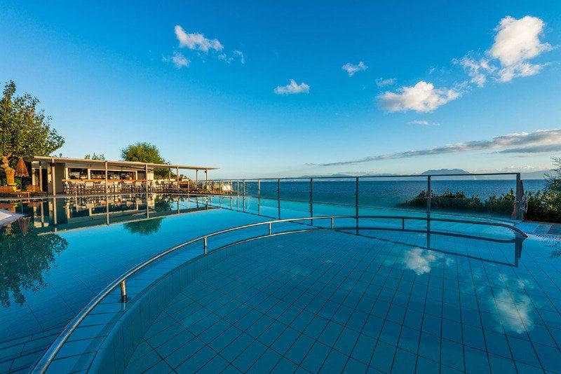 Niforeika Beach Hotel & Bungalows Kato Achaia