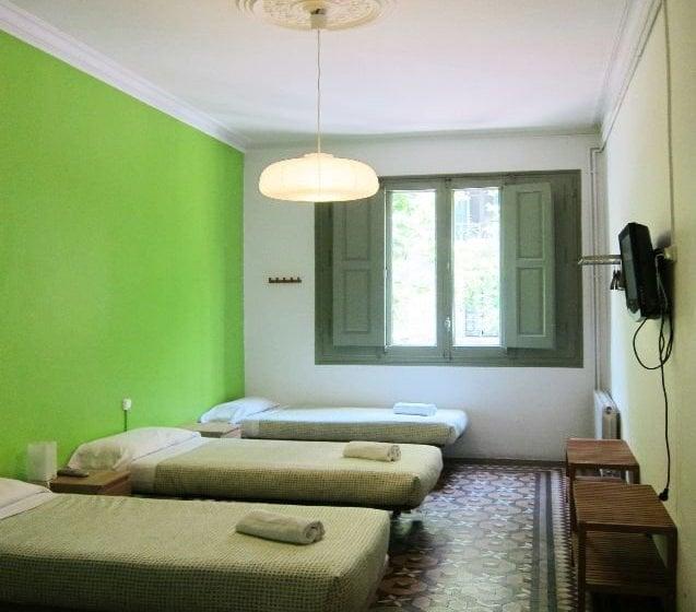 Hostal barna barcellona le migliori offerte con destinia for Migliori hotel barcellona