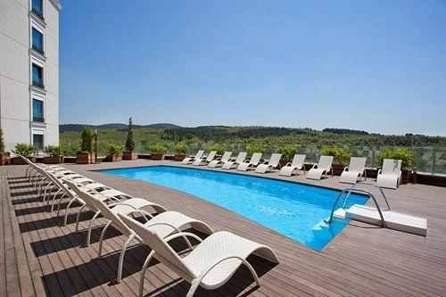 Swimming pool Hotel Limak Eurasia Luxury Istanbul