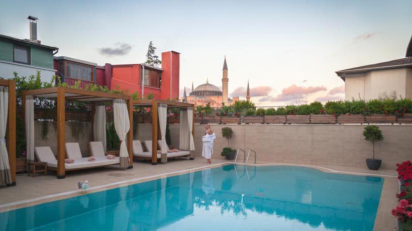Swimming pool Hotel Sura Design & Suites  Istanbul