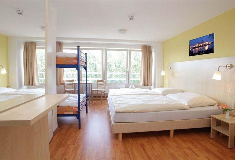 A&O Hotel & Hostel Hamburg City Sud
