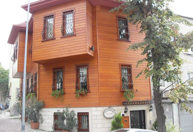 Outside Hotel Tashkonak Studio Suites Istanbul