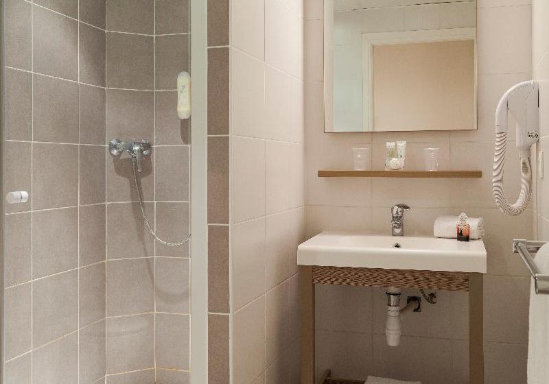Bathroom Hotel Comfort Suites Cannes Mandelieu Mandelieu la Napoule