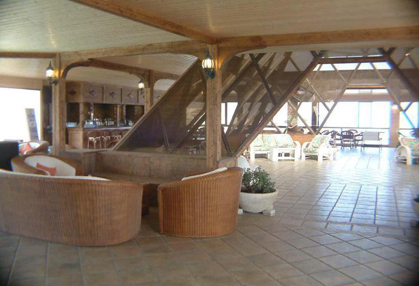 Apartamentos La Piramide Costa de Antigua