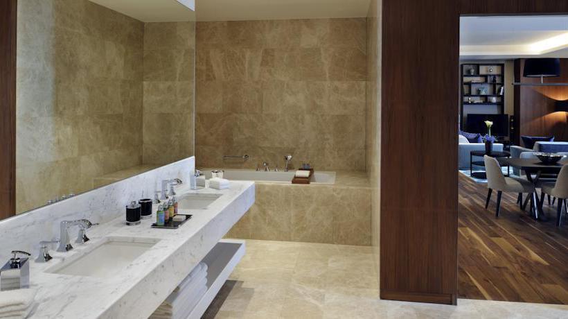 Bathroom Istanbul Marriott Hotel Sisli