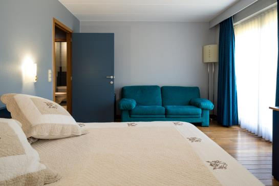 Hotel aquarelle seneffe le migliori offerte con destinia for Aquarelle piscine hotel seneffe