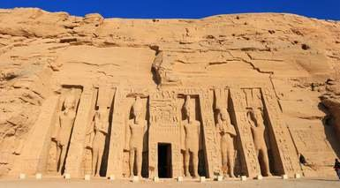 Magia en el Nilo: Crucero y Cairo con 6 Visitas + Abu Simbel