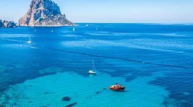 Ibiza desde Valencia: Barco + Hotel