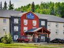 Lakeview Inn & Suites Slave Lake Call Toll-Free 1.877.355.3500