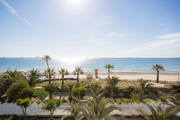 Grand Palladium White Island Resort & Spa  All Inclusive - Playa d'en Bossa